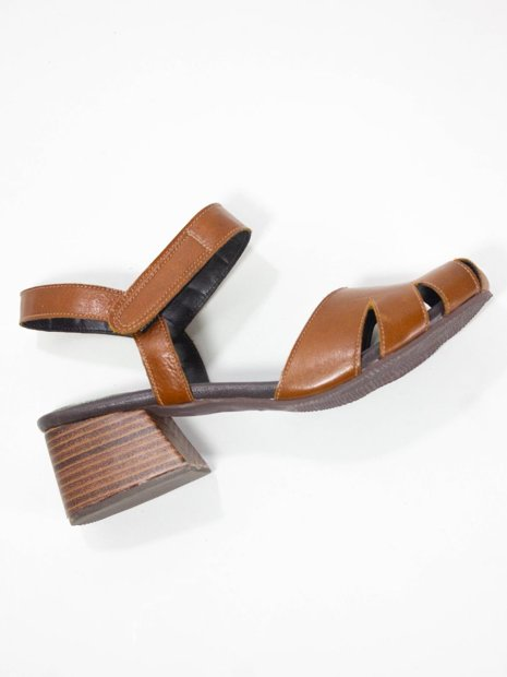 Sapato Couro Recortes Velcro